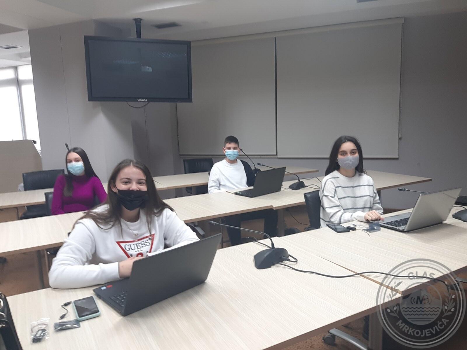 """Učenici OŠ """"Mrkojevići"""" učestvovali u programu """"Uči doma"""""""