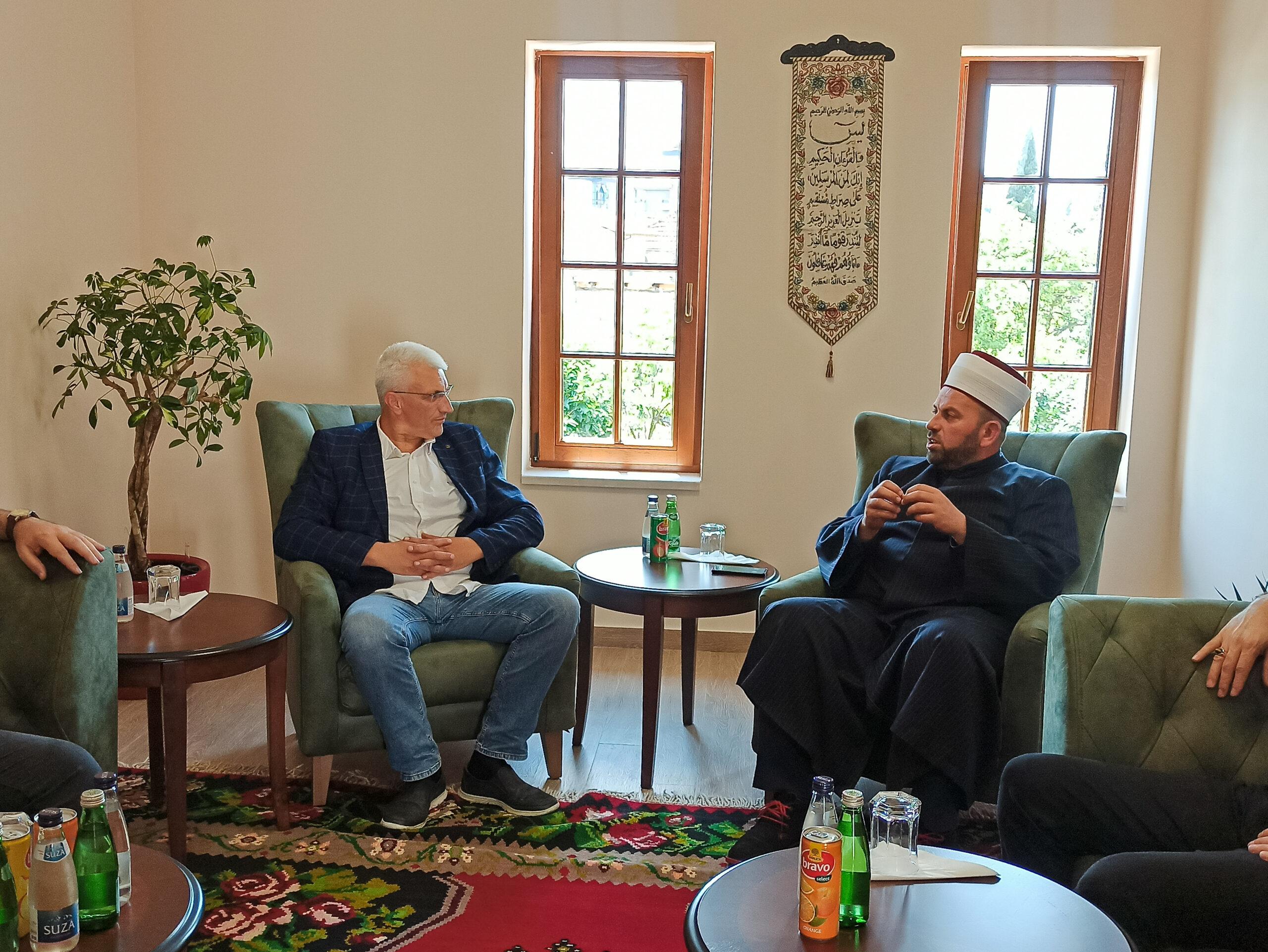 Rifat ef. Fejzić razgovarao sa predsjednikom  Savjeta Muslimana CG Sabrijom Vulićem