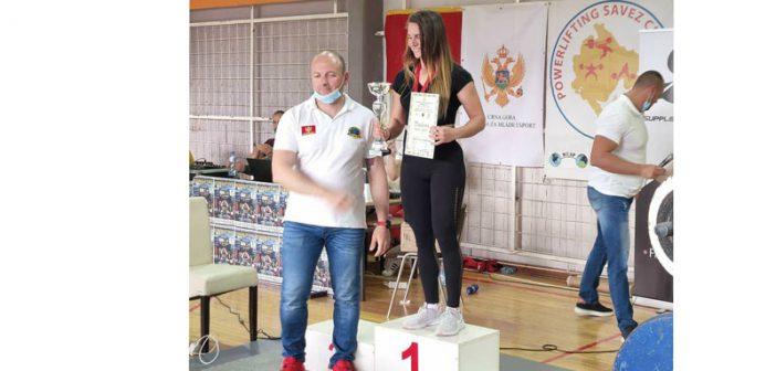 Anita Alković – jedna od najjačih u Power liftingu